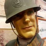 Norsk general med offisershjelm 1940